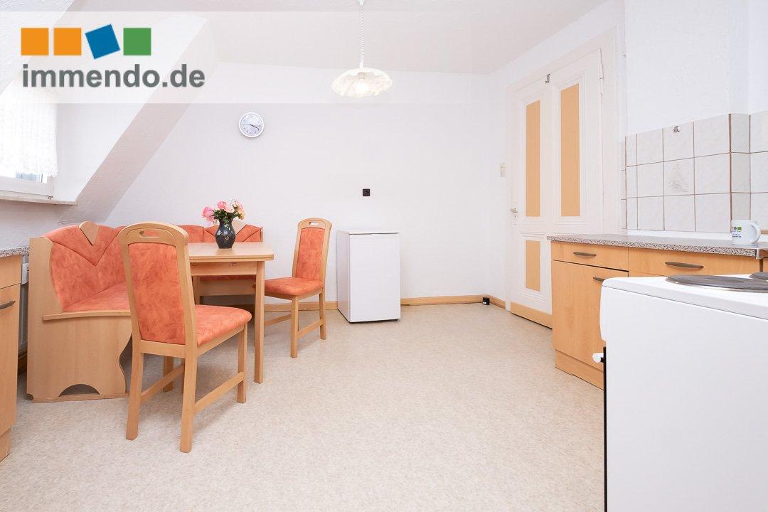 Esstisch mit Eckbank, Kühlschrank