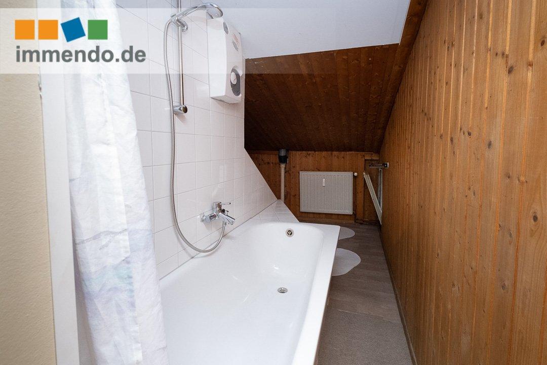 Badewanne mit Duschvorrichtung