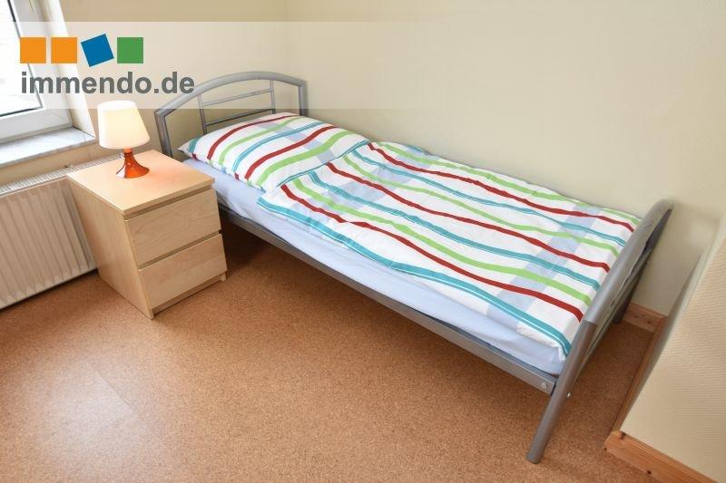 zweites Bett mit Nachttisch