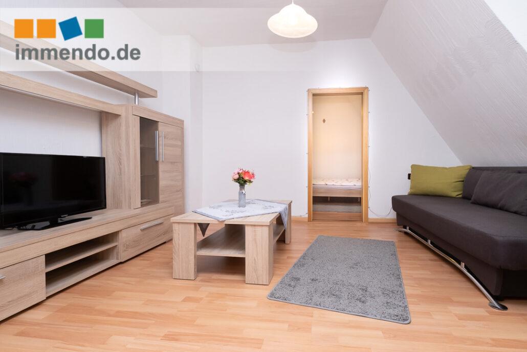 Elegantes Wohnzimmer mit Schlafcouch